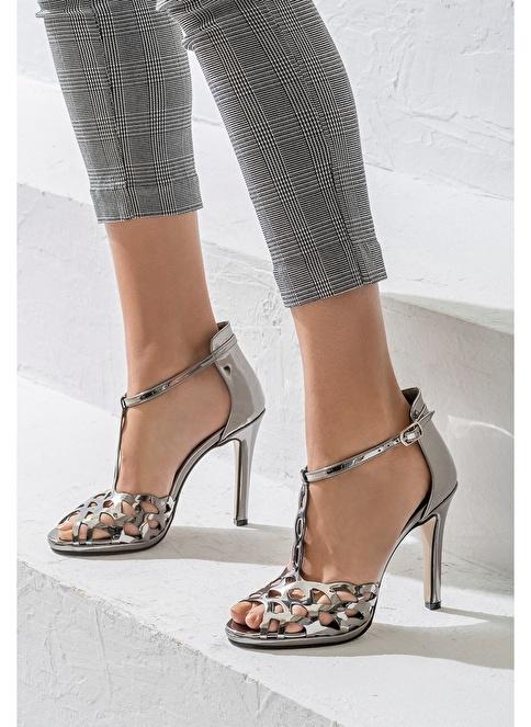 Elle İnce Topuklu Ayakkabı Gri